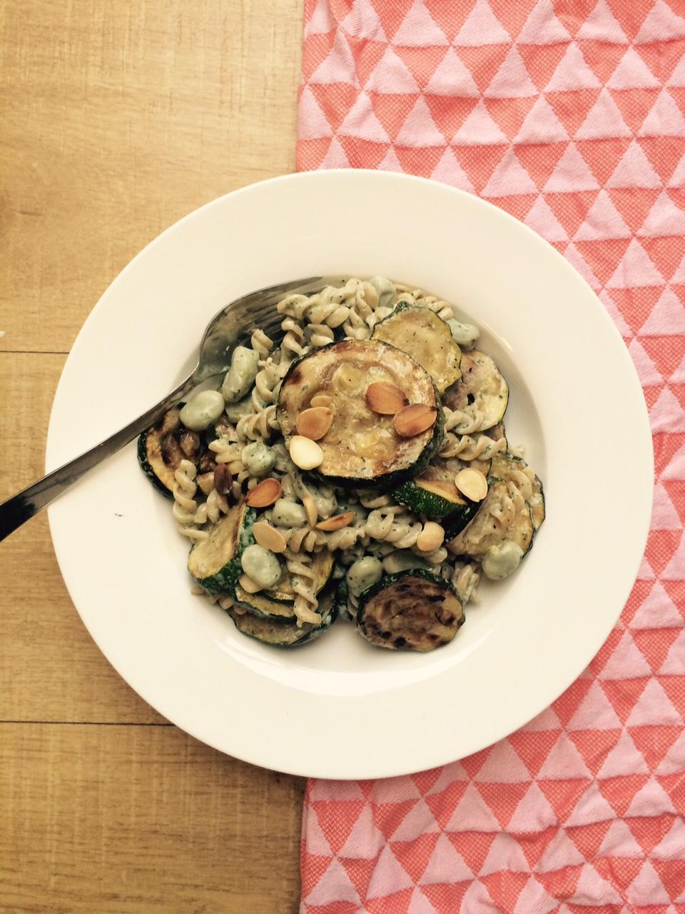 Door-de-week-pastaatje met gegrilde courgette, ricotta & munt