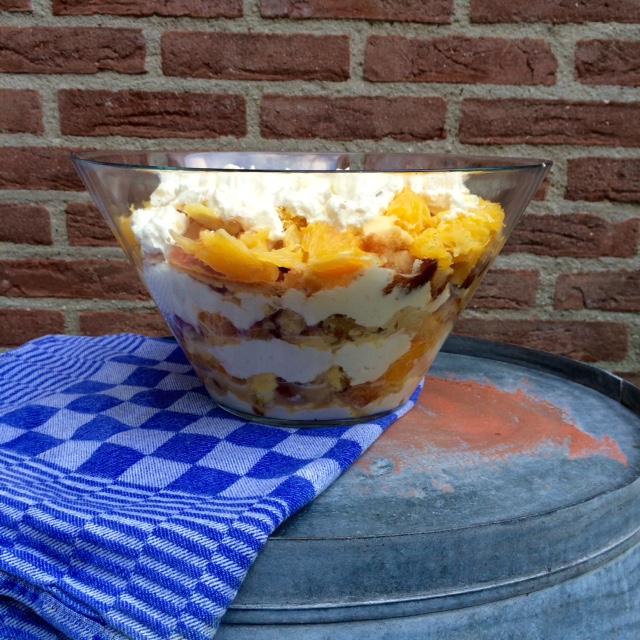 Sinaasappel-bitterkoekjes-trifle