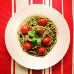 Spaghetti met groene pesto en cherrytomaatjes