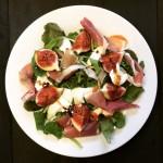 Salade met verse vijgen, mozzarella & parmaham