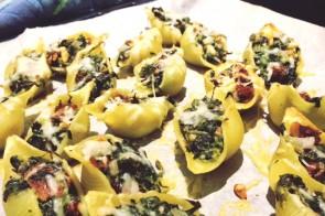 Gevulde pastaschelpen met geitenkaas & spinazie