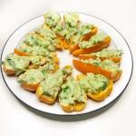 Gevulde snackpaprikaatjes met avocado & garnalen